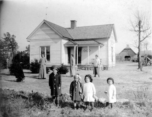 R.L. Harrison family - 1916