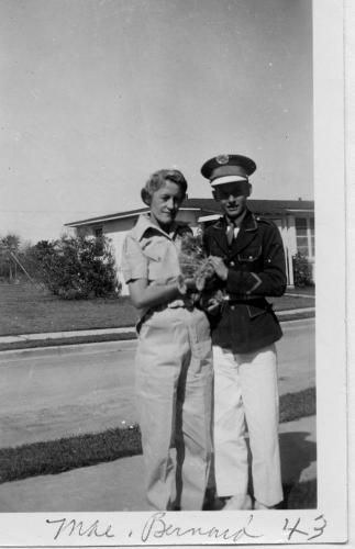 Mae and Barnard in 1943