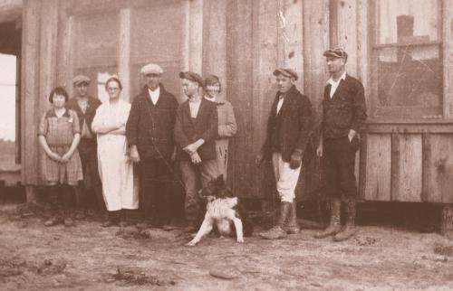 The Parkers on a trip to Texas - '20s or '30s